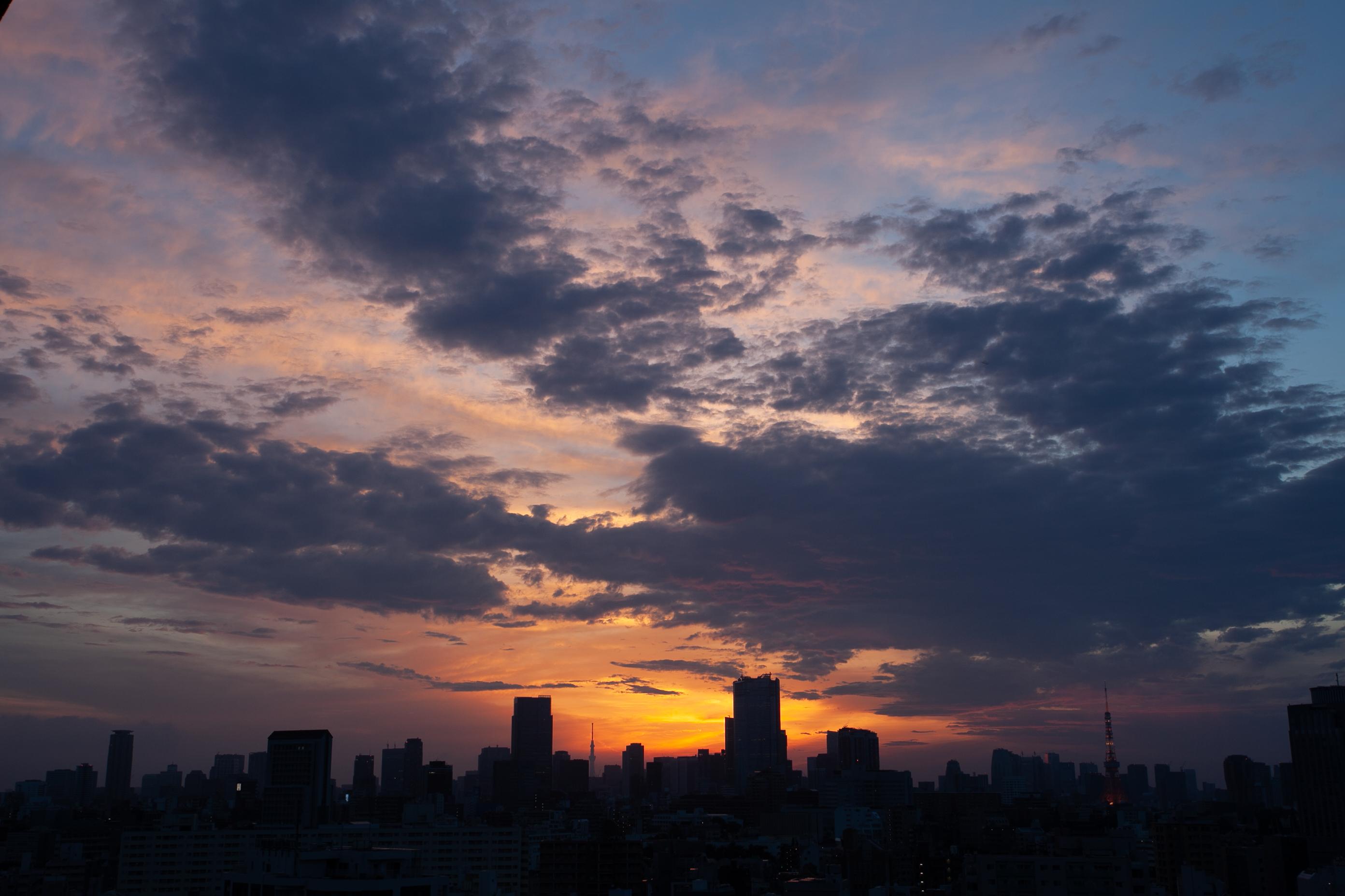 夜明け/東京タワー・スカイツリー
